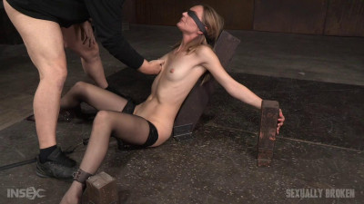 All natural stunner Mona Wales takes on 3 cocks blindfolded and shackled onto a vibrator!