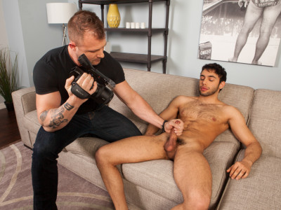 Shawn Abir makes his gay porn debut with the help of Austin Wolf Part 1 (2014)