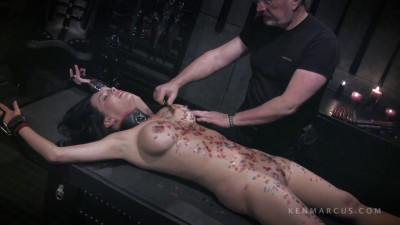 Kenmarcus – Sep 19, 2012 – Veronica Gets Waxed