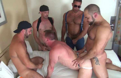 Berlin Gang Bang With Muscle Bears
