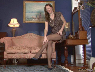 Lara Latex — Parading in pantyhose