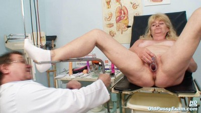 Josefina — 58 years woman gyno exam