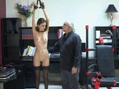 Slave Training bd022-2
