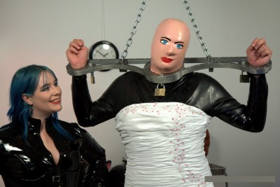 Wedding Dress Fetish – Rubber Crossdressing Transformation