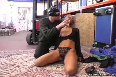 PainVixens Collared blonde bondage