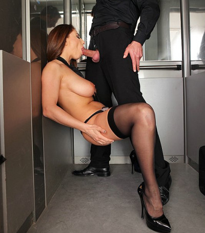 Brunette Hottie Meets The Needs Of User Of The Elevator