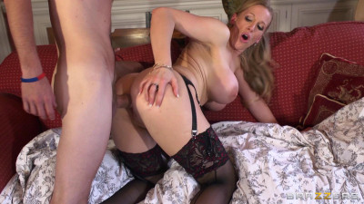 Seductive Milf Came To Look After Order In The House