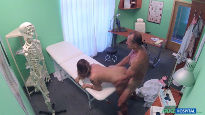 Amy — Patient Orgasms Pussy Juice on Desk (2016)