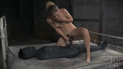 Joey Minx and Mona Wales