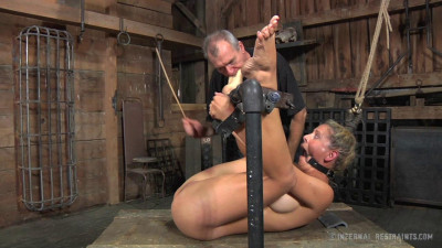 Infernalrestraints – Oct 11, 2013 – Compromises Part 2 – Cherie DeVille