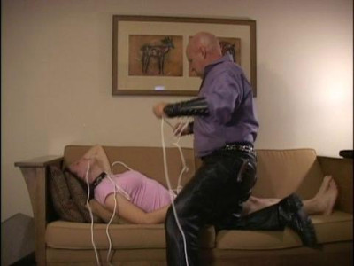 Master Jerry – Luna's First Crotch Rope