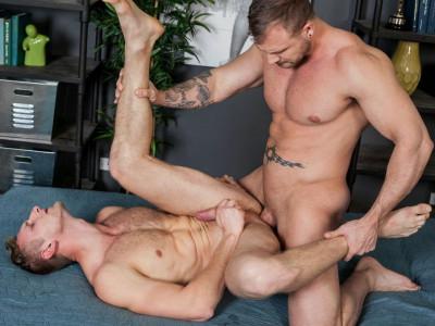 Gay Porn Star Austin Wolf feeds Bisexual Horn , Jamie Pavel his hot cum
