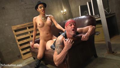 TS Boss Bitch