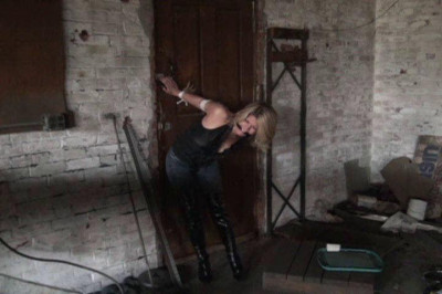HuntersLair – Brutally Punished For Trying To Escape