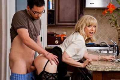 Hot MILF Nina Hartley Is The Mom Next Door