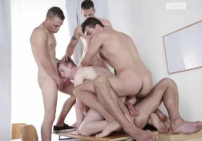 Young Prowlers In Gangbang At Police