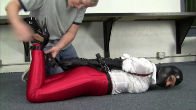 Carissa Montgomery : Red Disco Jeans, Tight Leather Gear and Gwen Hood