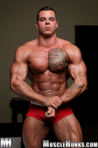 Musclehunks – Norman Cox (2012)