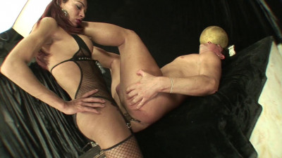 Raissa Melo Fucked By Red-Haired Shemale (2014)
