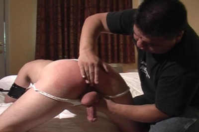 [Pig Daddy] Night Shayde Leashed Scene #4