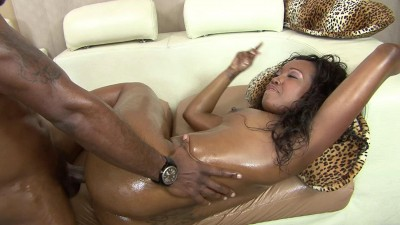 Dirty and nasty ebony hooker gets creampied