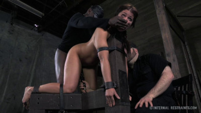 Mia Gold — The Sweat Box — BDSM, Humiliation, Torture