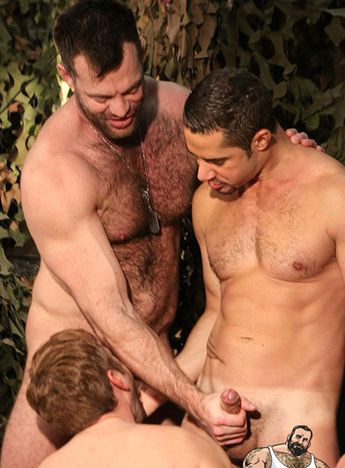 Aaron Cage, Dean Monroe and Charlie in Army Privates