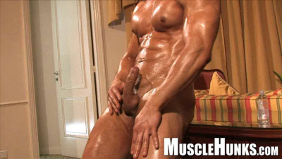 Musclehunks Joe Barkley «No Average Joe!»