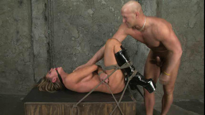 Charisma Cappelli – Fucking Dungeon