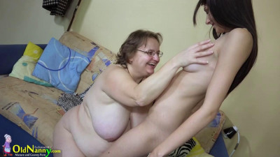 Chubby mature fucked with strapon