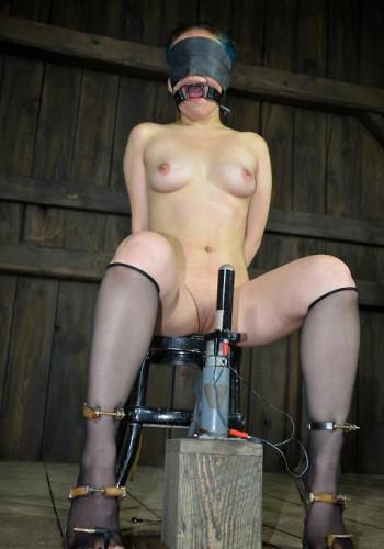 Lorna loves anal bliss