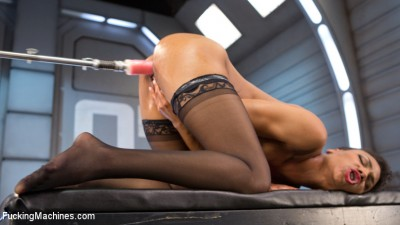 Description Porn All-Star Gets Her First Taste of Fucking Machines and Squirts Everywhere!