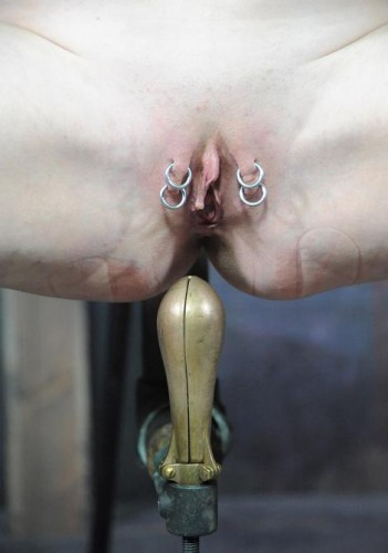 Excellent bondage slut for Pear