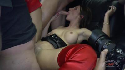 Julie Skyhigh meet Mini Hotcore Julie anal (2014)