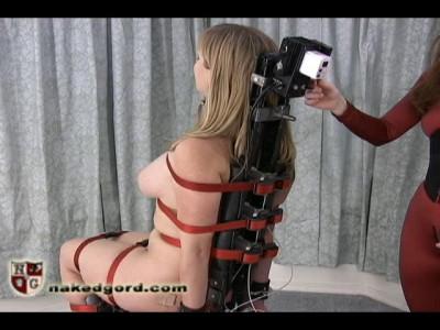 NakedGord-Adrianna Air Chair(06 Aug 2010)