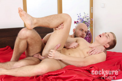 Alex Bach Barebacks Karl Rossi