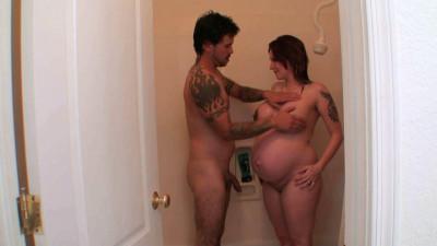 Pregnant smoking girl