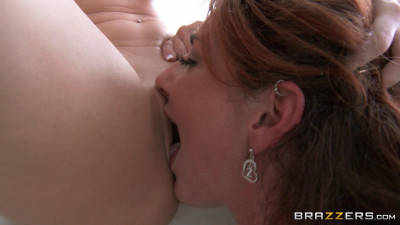 The Two Sexy Girls Lick Each Others Pussies