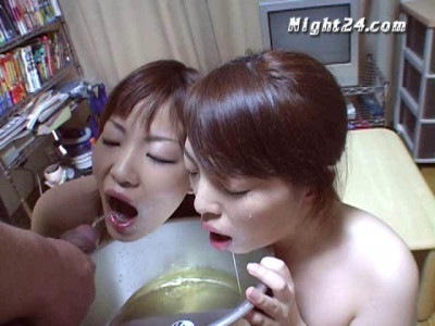 Urine asian lover and sucking too