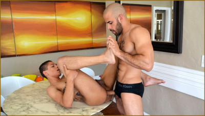 GISPants - Elliott takes on Austin - Austin Wilde, Elliott Blue