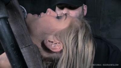 Kleio Valentien high - BDSM, Humiliation, Torture