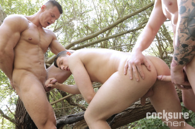 Paul Fresh and Luke Ward Bareback Aron Ros