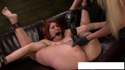 Lesbian tied and fucked me with his fist and a vibrator