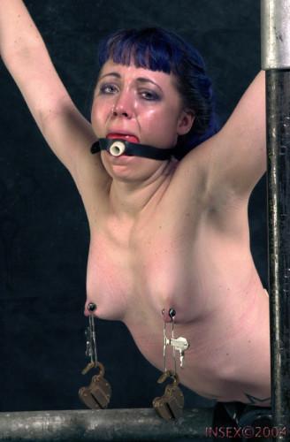 Insex - Betty's Toe Tug (Live Feed From June 24, 2001) RAW (Betty, 411)