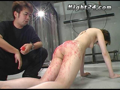 Asian Babe Likes Pain