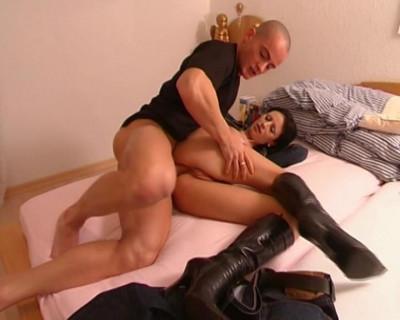 Busty offers her ass