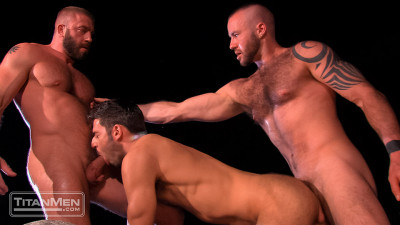 Night Heat: Scene 2: Dario Beck, Hunter Marx and Justin King