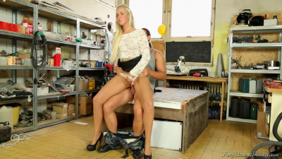 Jenny Simons in the scene Cock And Piss Fix