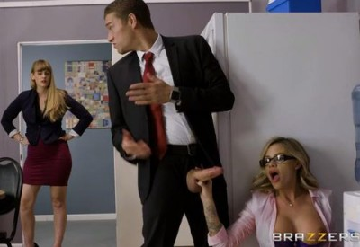 Jessa Rhodes (The Clumsy Intern)