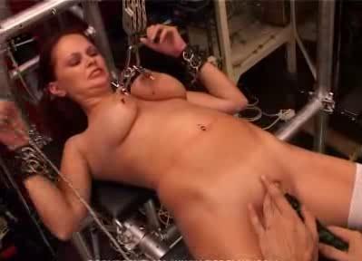 TG - Slave Anita 32
